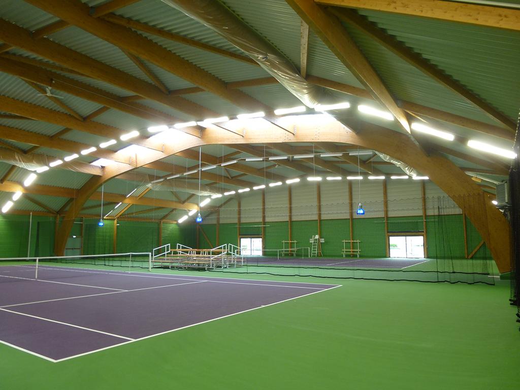 construction de 2 courts de tennis couverts s zanne 51 architecte lenoir associ s bourgogne. Black Bedroom Furniture Sets. Home Design Ideas